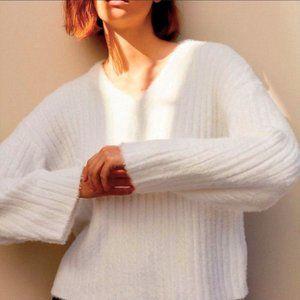 ARITZIA - BABATON Ulmann Kitten Sweater